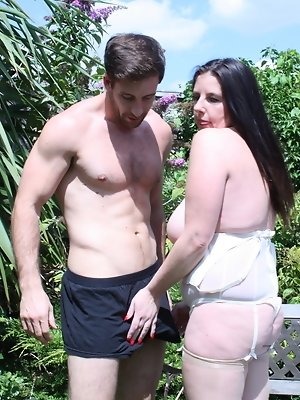 Naughty British mature lady getting horny with her lover